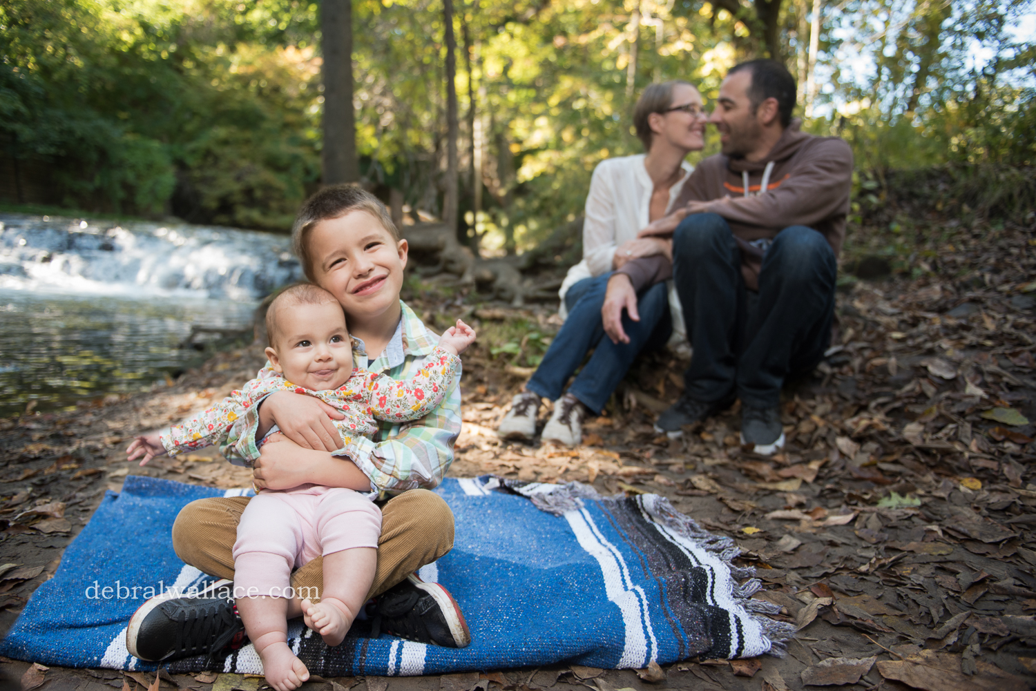 corbetts-glen-candid-family-photography-playful-baby-sibling-photos-3