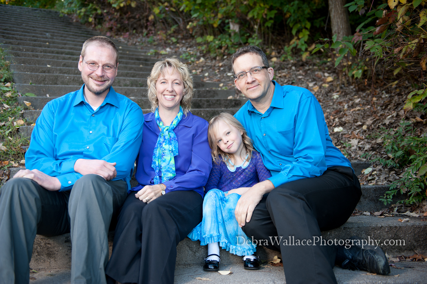 How to Choose Clothes for Your Family Photo Session